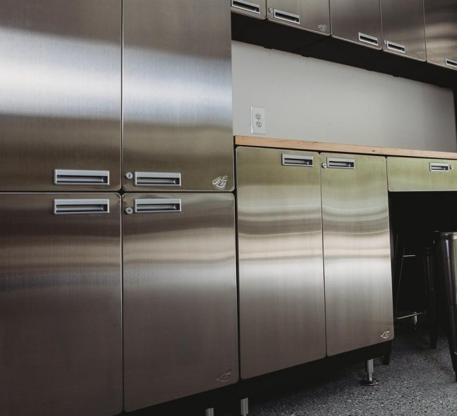 hercke-garage-and-home-cabinet-system-in-the-garage-gallery (2)