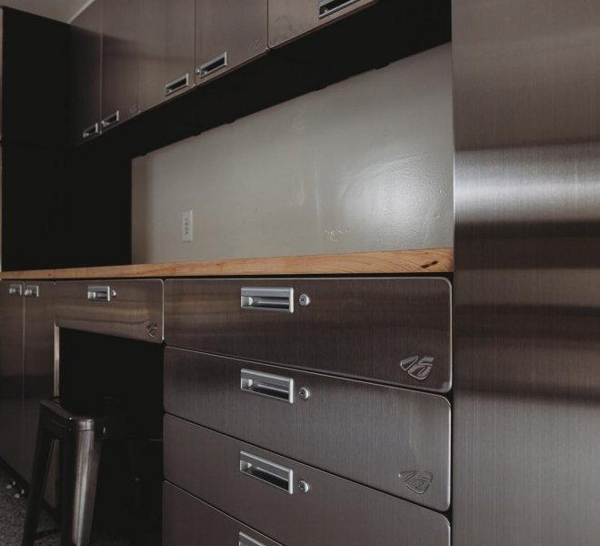 hercke-garage-and-home-cabinet-system-in-the-garage-gallery (4)